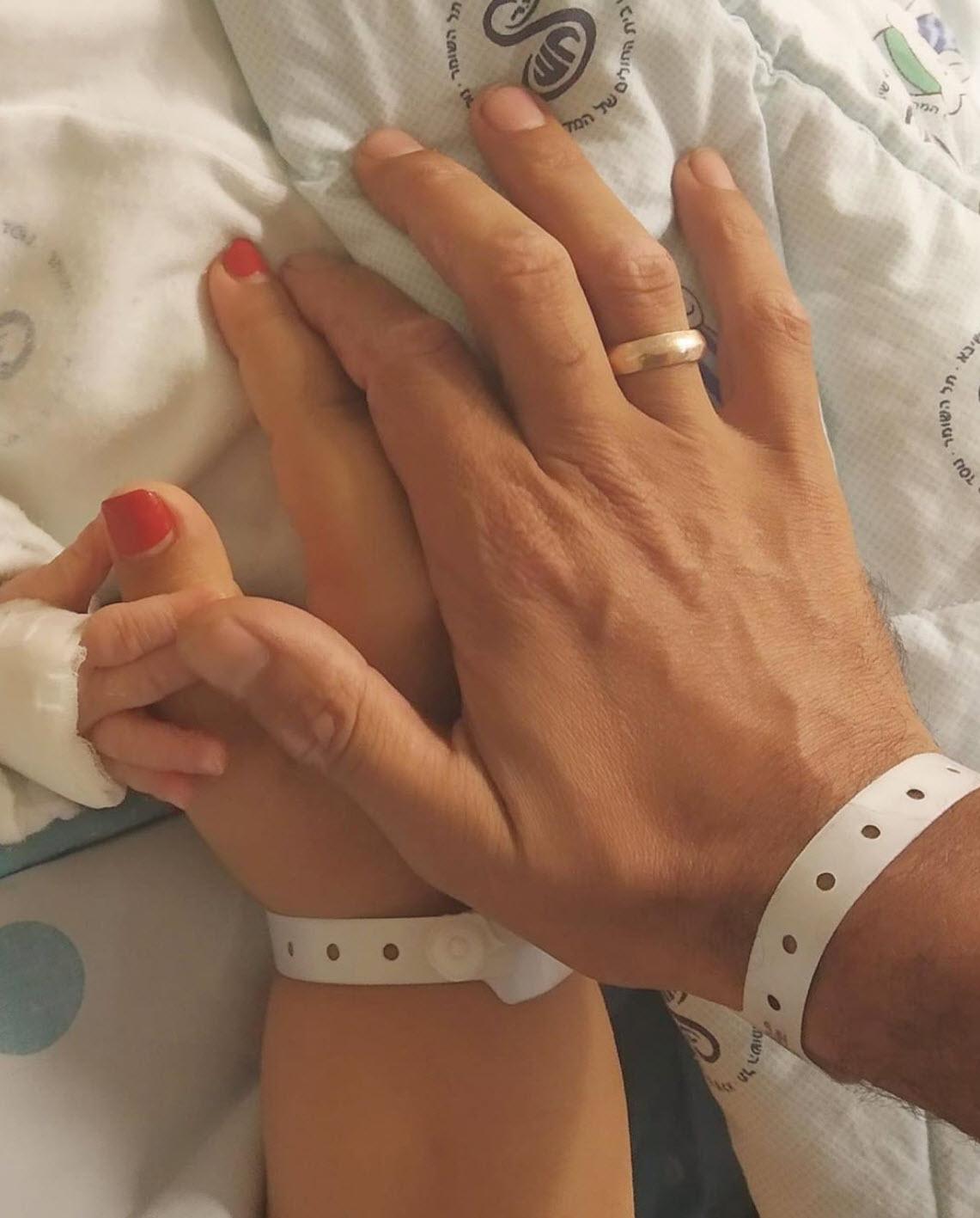 """מזל טוב: אמירה בוזגלו ילדה בן בכור """"זכיתי להיות אמא"""""""