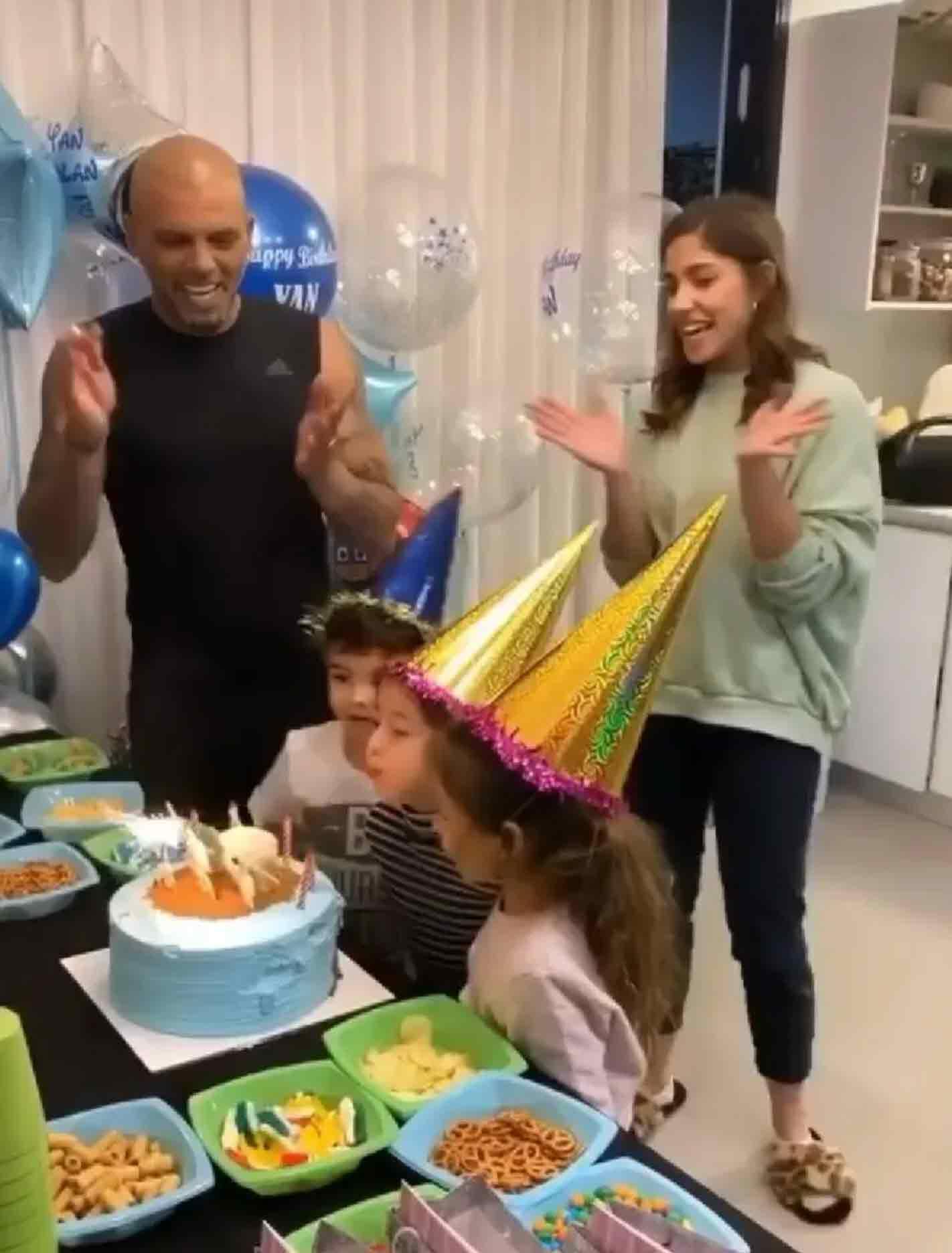 אייל גולן ודניאל גרינברג חוגגים ליאן יומולדת בלי אמא רוסלנה!