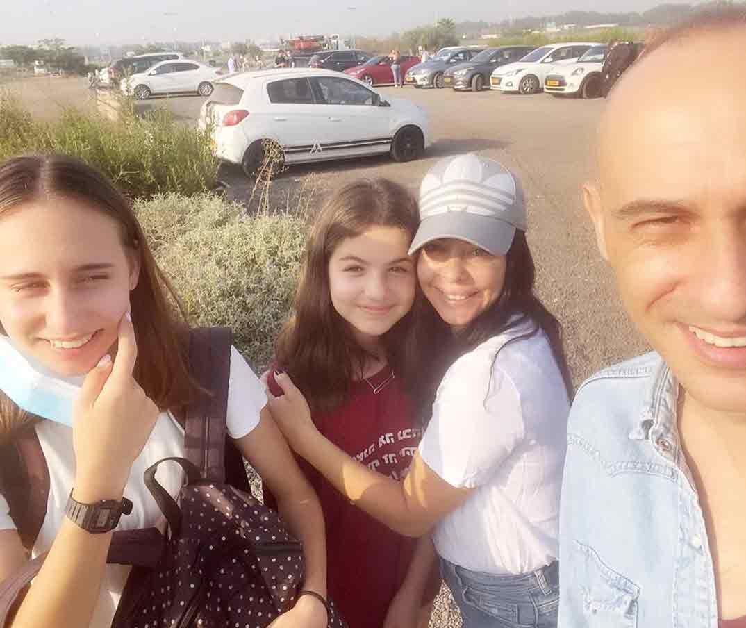 מזל טוב: הבת של אסף ומיכל אמסדורסקי התגייסה לצבא!