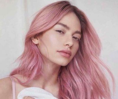 מזהים אותה? לא תאמינו למה היא צבעה את השיער לורוד!
