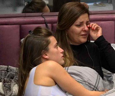 """זהבה נשברה בבכי בלייב: """"אחותי כבר התקשרה ואמרה שאמא נפטרה"""""""