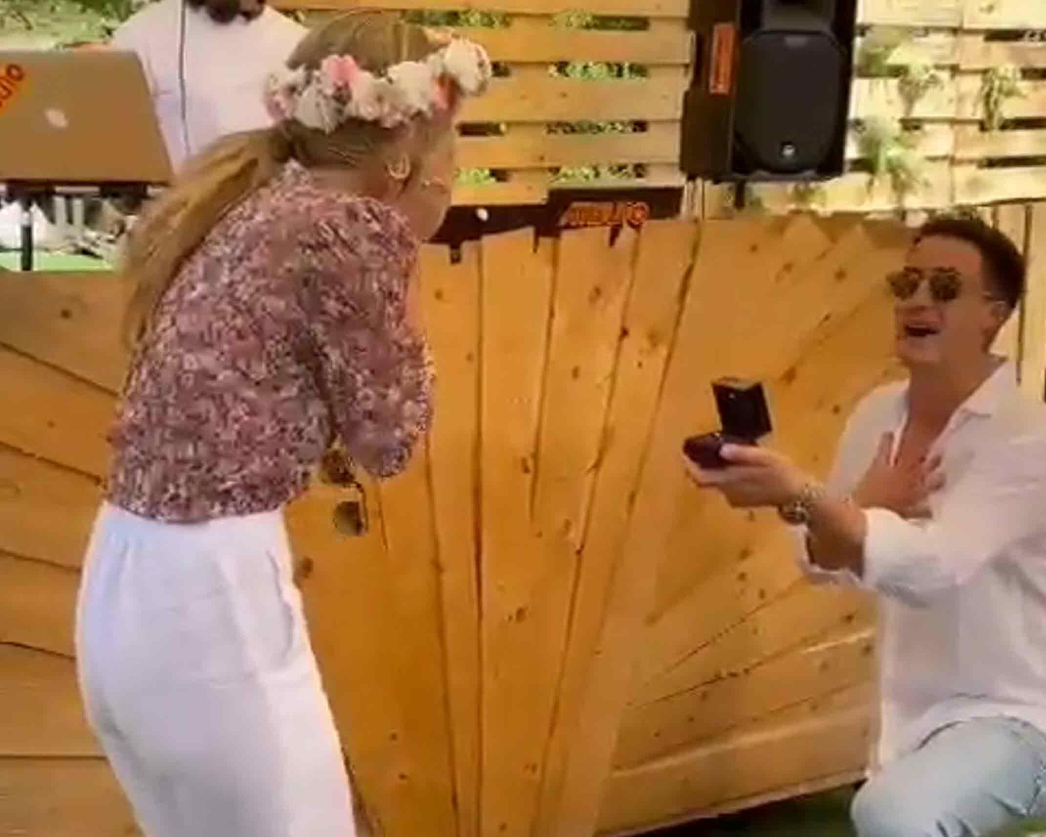 דנית גרינברג חושפת מה היא מרגישה באמת רגע אחרי הצעת הנישואין!
