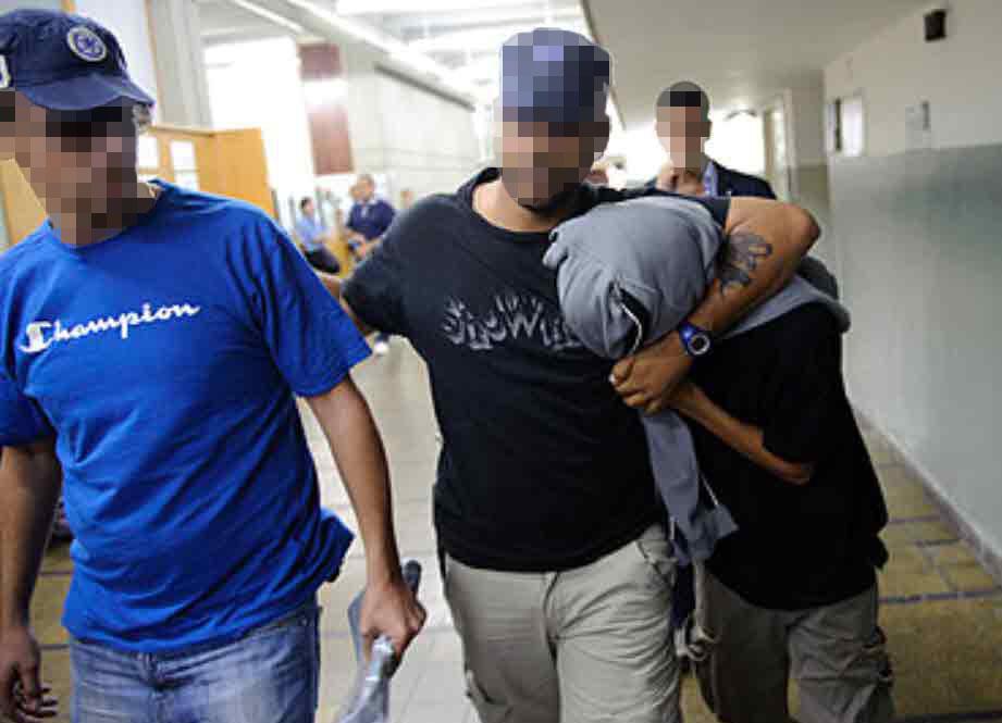 נגמר במעצר: שחקן ישראלי תקף את אמו תחת איומים על חייה