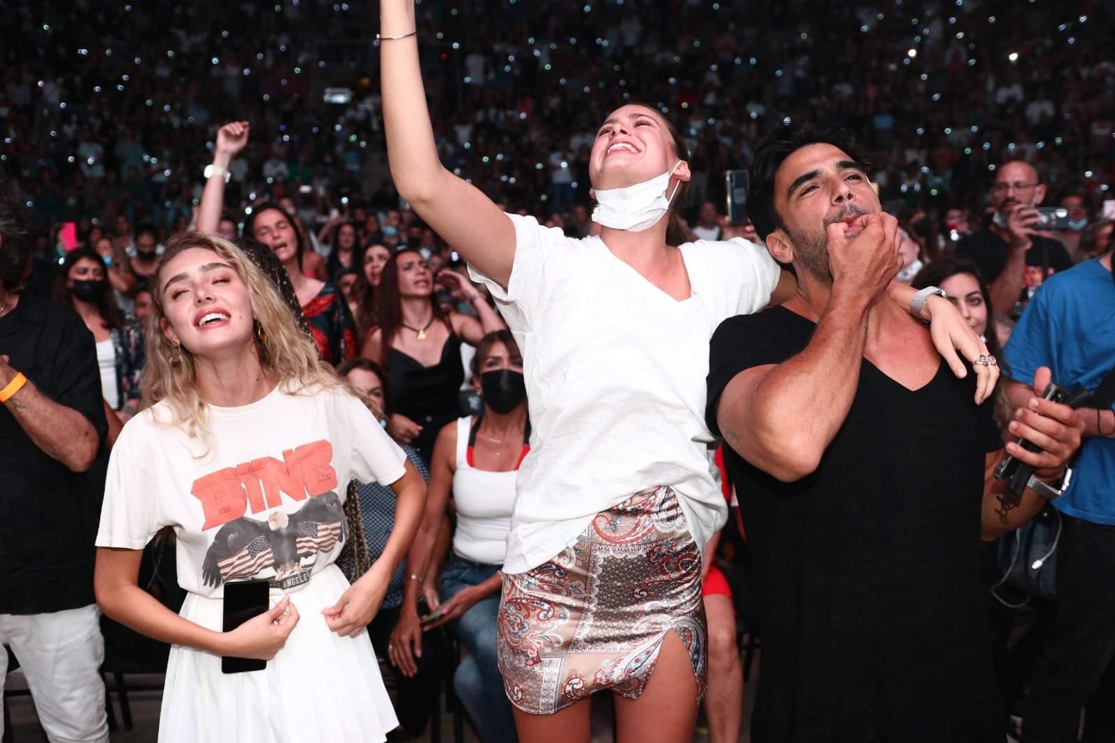 מי הפתיעו ועלו לבמה במופע של רותם כהן בקיסריה? וגם המחווה המרגשת שלא תשכח!